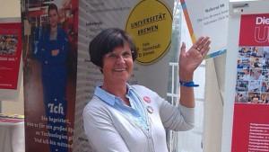 Dagmar Schernus in der Ausbildungspagode